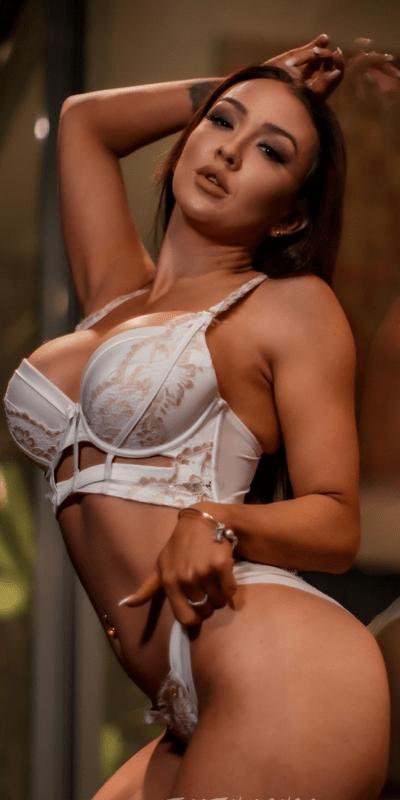 Topless waitresses Gold coast